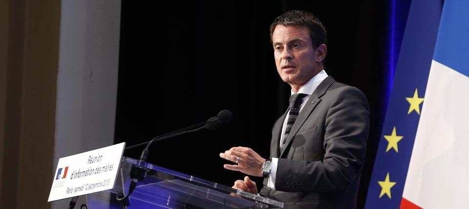 Manuel Valls lors de la réunion des maires de France, le 12 septembre 2015
