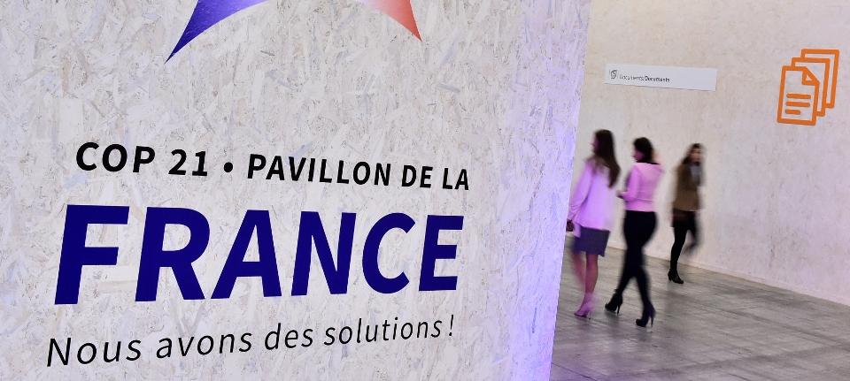 Photo de l'entrée du pavillon France au Bourget - Conférence de Paris pour le climat