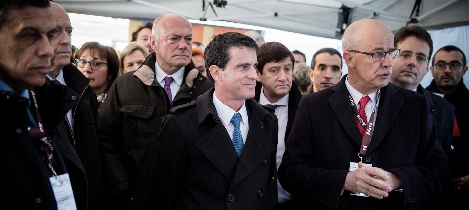Manuel Valls lors de la visite de l'usine Lesieur à Bassens