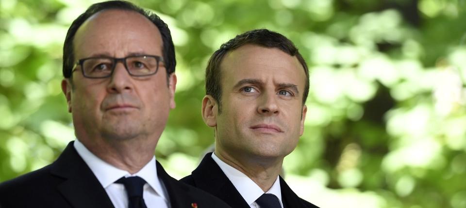 François Hollande et Emmanuel Macron lorsde la  cérémonie pour l'anniversaire de l'abolition de l'esclavage, le 10 mai 2017