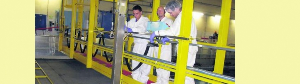 Ouvriers spécialisés dans la centrale nucléaire de Golfech