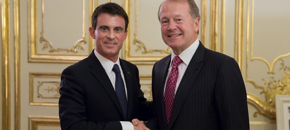 PM Manuel Valls and John Chambers (Cisco CEO)