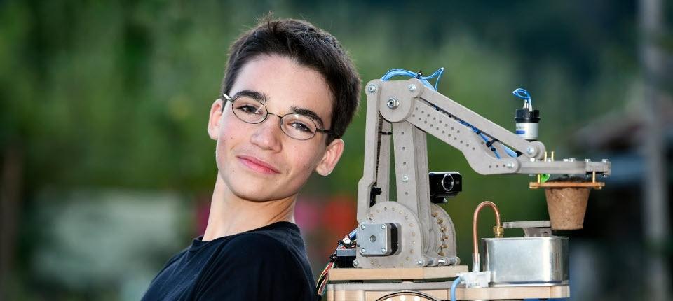 Eliott Sarrey and Bot2Karot robot