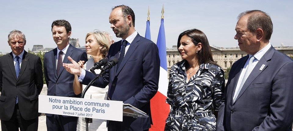 French PM and Paris Region Officials