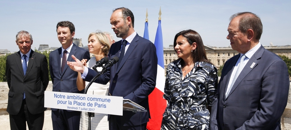 Prime Minister And Paris Region Officials