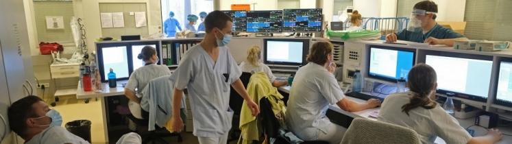 Une salle informatique dans un hôpital