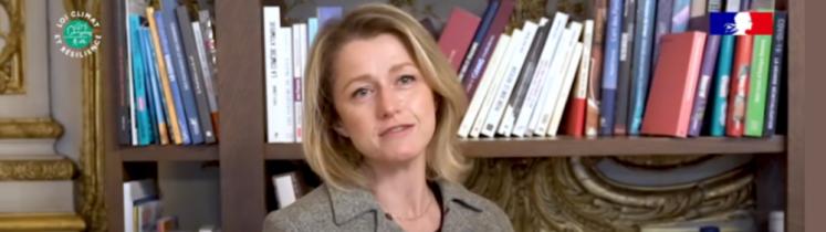 Barbara Pompili dans son bureau