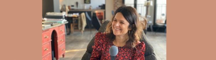 Julie Manou-Mani, journaliste, chroniqueuse sur France 2, à la tête de sa société de production MamouzProd et ambassadrice Maison des Femmes