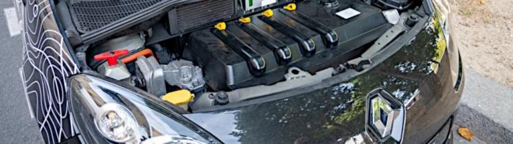 Vue sur un moteur électrique de voiture rétrofitée