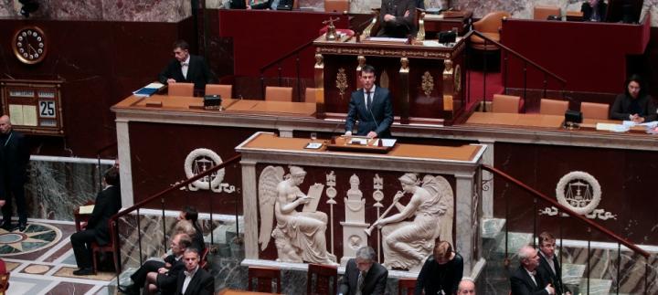 """""""Face au totalitarisme islamiste, la France mènera une guerre implacable. Nous frapperons fort, nous frapperons juste. Et nous gagnerons"""""""