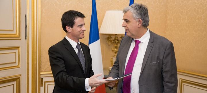 Remise au Premier ministre du rapport de Pascal Terrasse sur l'économie collaborative
