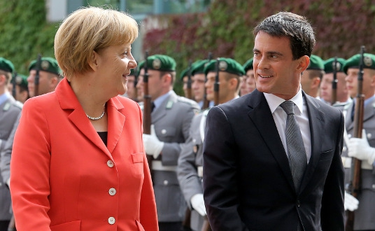 "Angela Merkel salue ""l'impressionnant"" programme de réformes du gouvernement Valls"