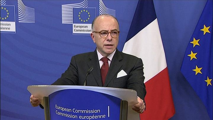 Conférence de presse de Bernard Cazeneuve à Bruxelles