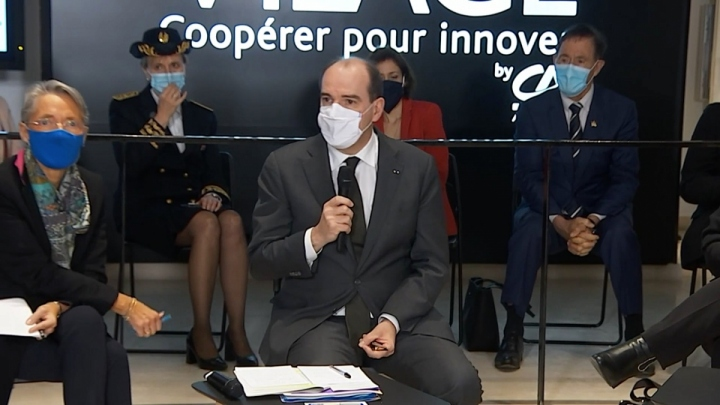 Table ronde entre le Premier ministre et des étudiants à Bordeaux