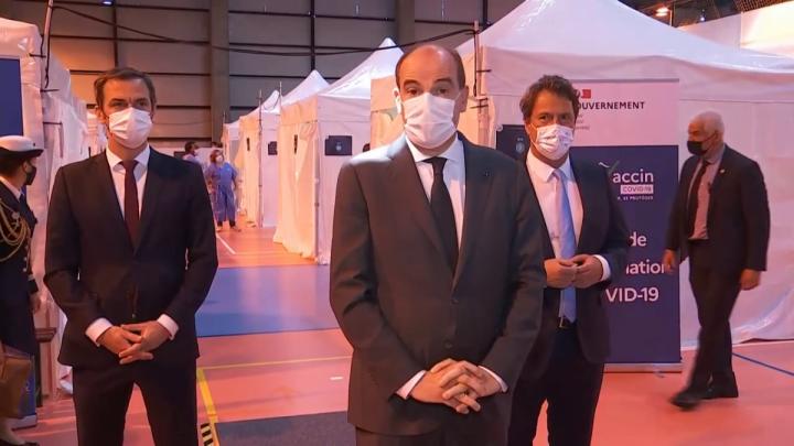 Déclaration du Premier ministre Jean Castex depuis le centre de vaccination de Saint-Maur